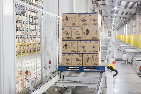Monde Nissin's team found an automated logistics solution that could minimise the area required for storage and eliminate manual handling of stocks.